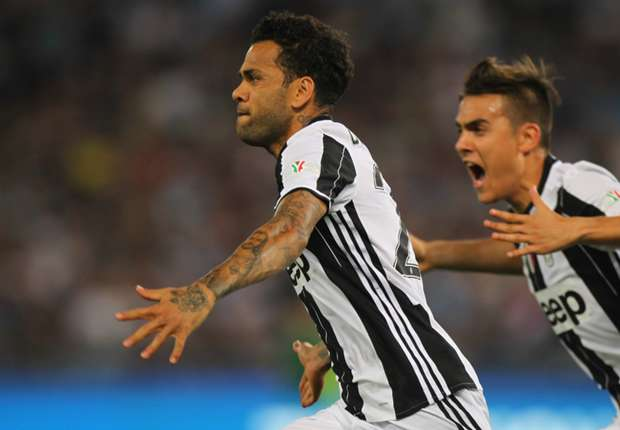 Juventus: Dani Alves eyes 'the big prize' after Coppa