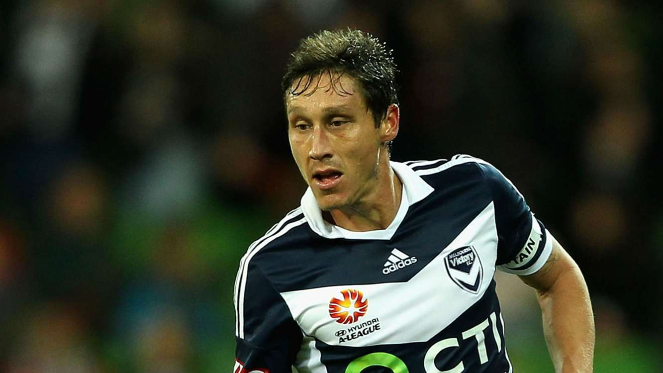 Melbourne Victory confirm Mark Milligan return