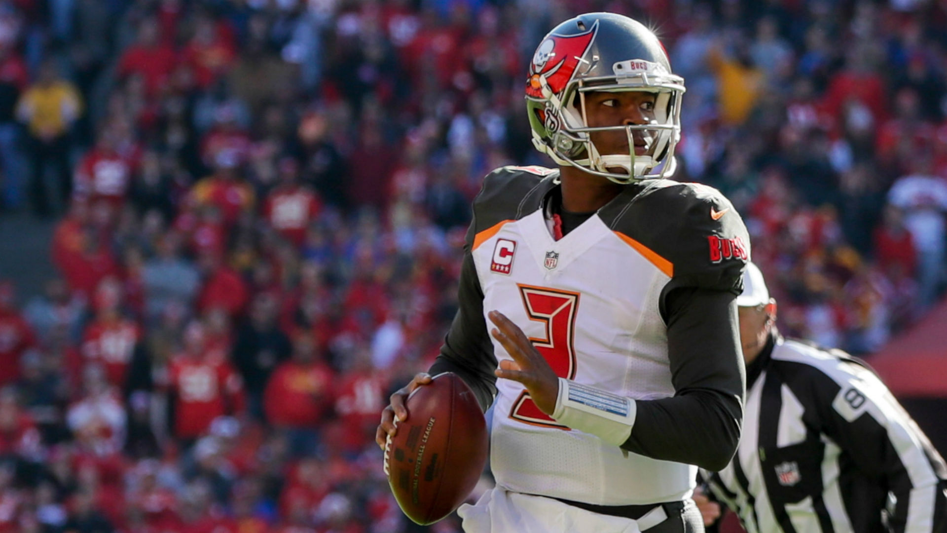 NFL reportedly discusses Jameis Winston with Buccaneers security
