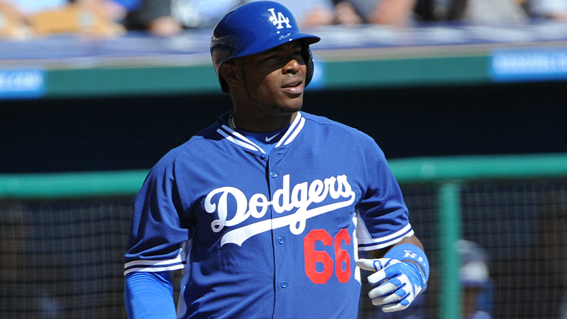 Yasiel Puig misses third game, Dodgers concerned