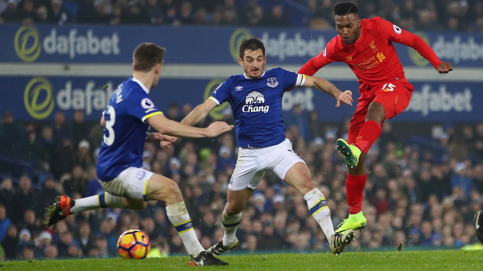 Jordan Henderson hoping Daniel Sturridge can return to goalscoring form for Liverpool
