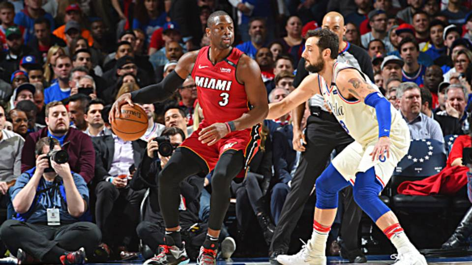 NBA playoffs wrap  Dwyane Wade helps Heat even series  Warriors go up 2-0  against Spurs eecf8305045
