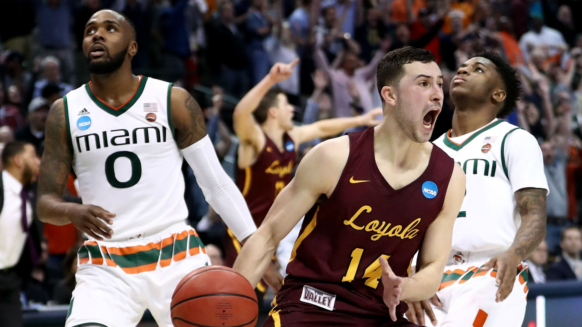 11-seed Loyola Chicago upsets Miami with 28-foot shot at buzzer