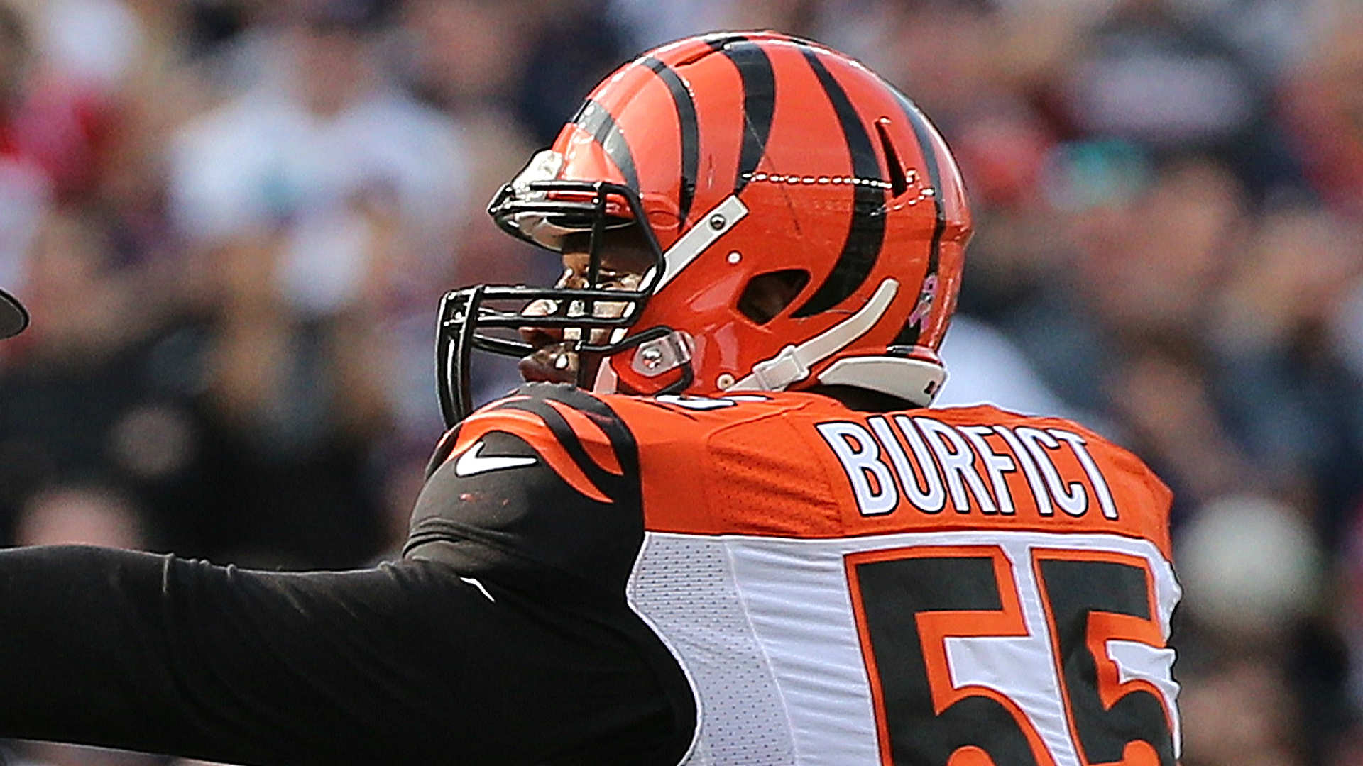 NFL reportedly will review Vontaze Burfict hit on Martellus Bennett