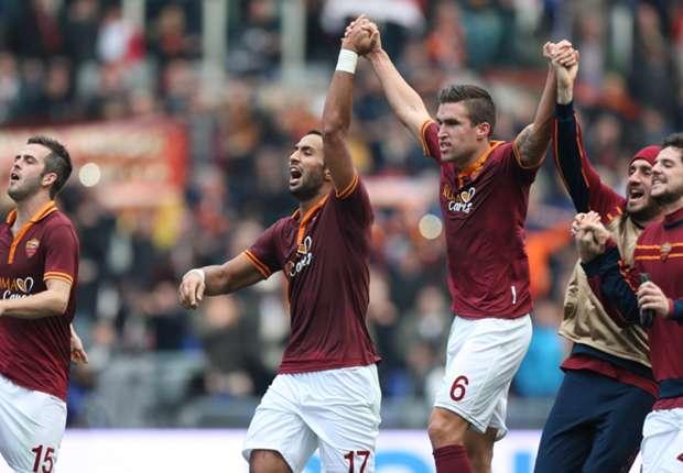 I giocatori della Roma festeggiano la vittoria sulla Fiorentina