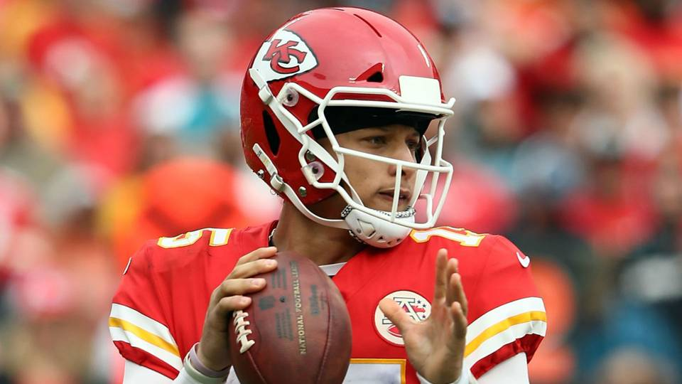 mahomes-patrick-10082018-getty-ftr