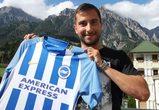 Suttner signs for Premier League new boys Brighton