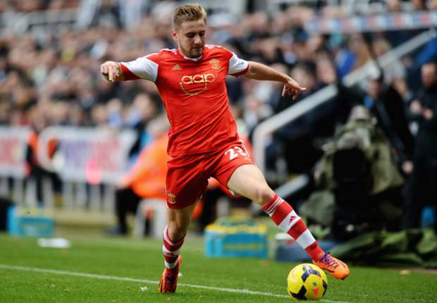 Southampton assistant Perez claims England link will not distract young star Shaw