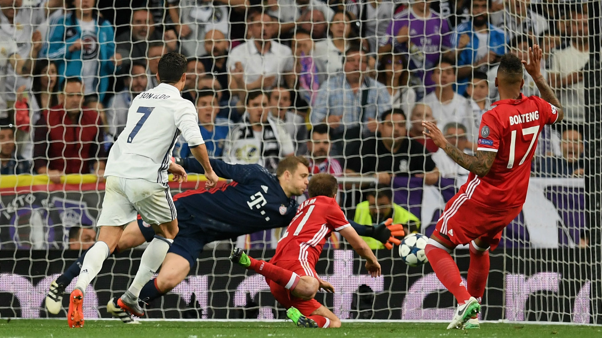 Neuer fractures left foot in loss to Real