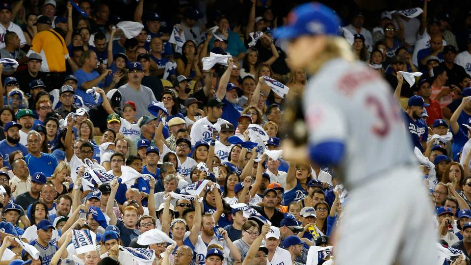 dodger-fans-10152015-US-News-Getty-FTR