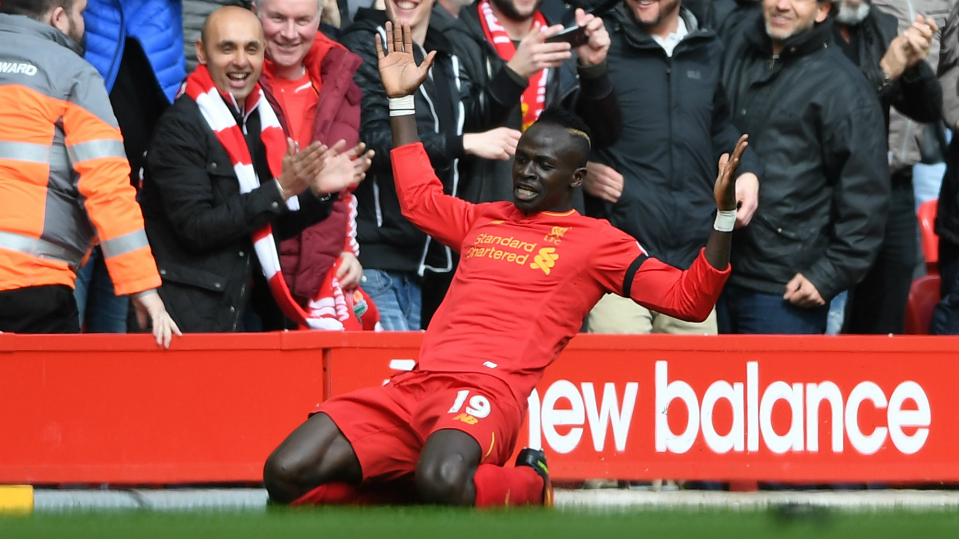 Mane injured in Merseyside derby