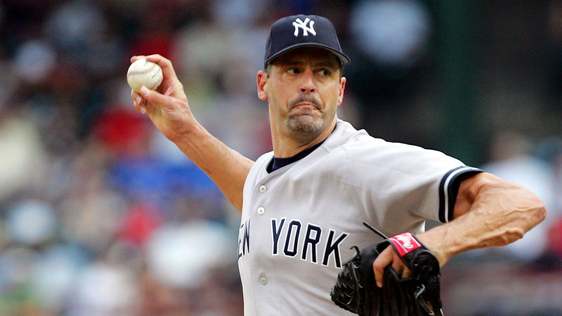 Former All-Star pitcher Kevin Brown held alleged mail thieves at gunpoint