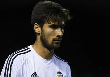 Ayesteran wants to keep Gomes