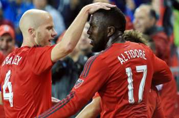 MLS Review: Altidore scores as Toronto moves to top in East, Galaxy rally