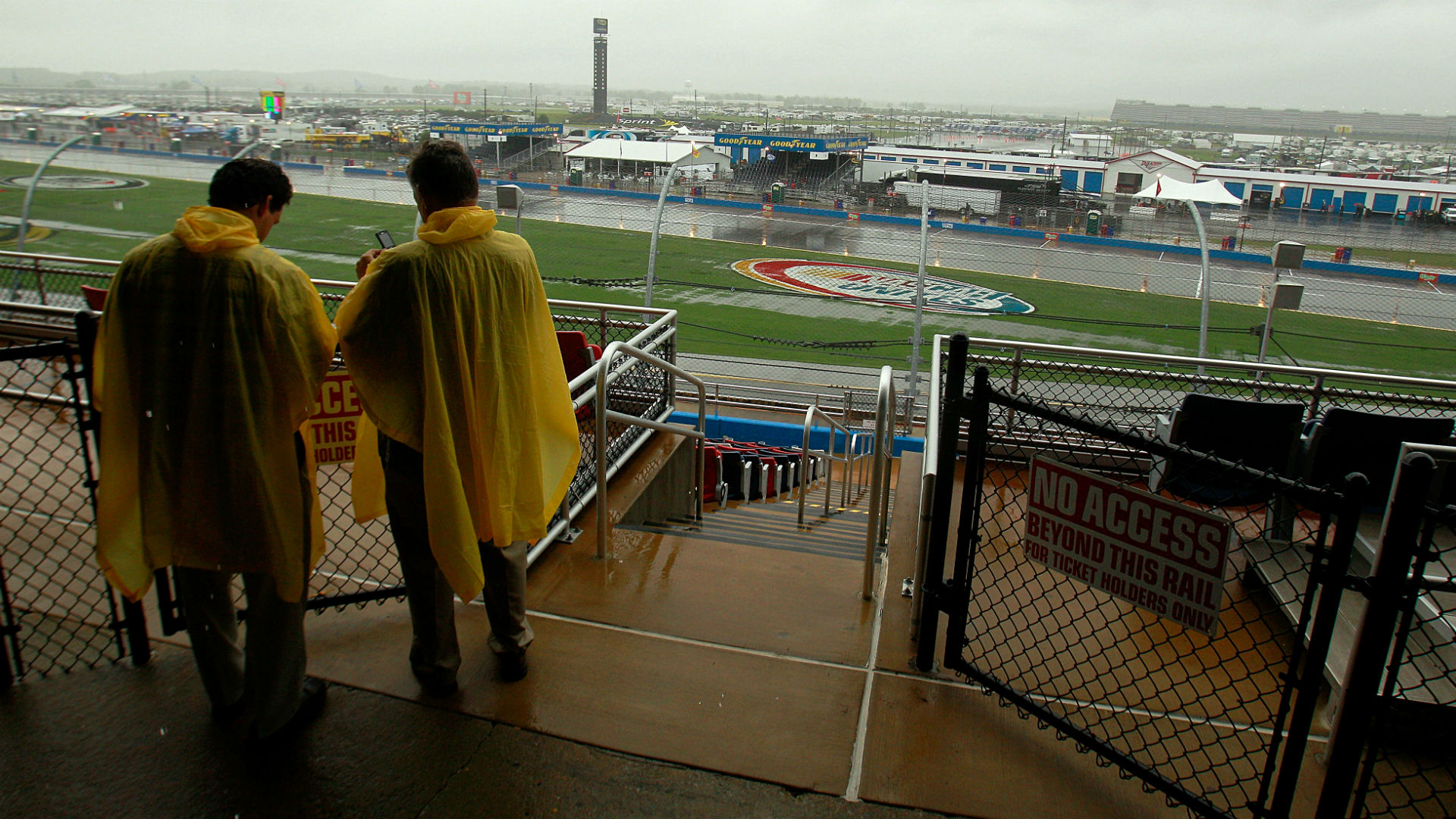 NASCAR at Talladega: Race halted by rain, will resume Monday