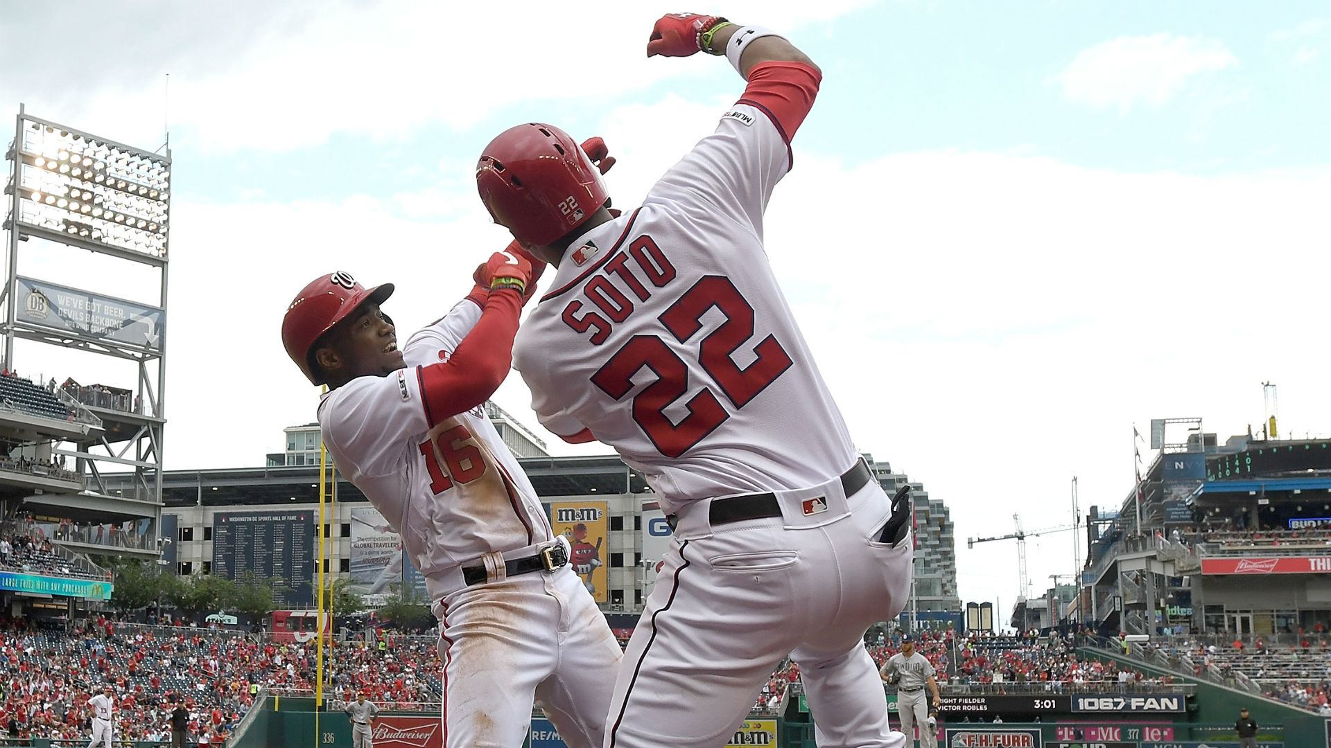 MLB wrap: Nationals make history in extra-innings win over Padres