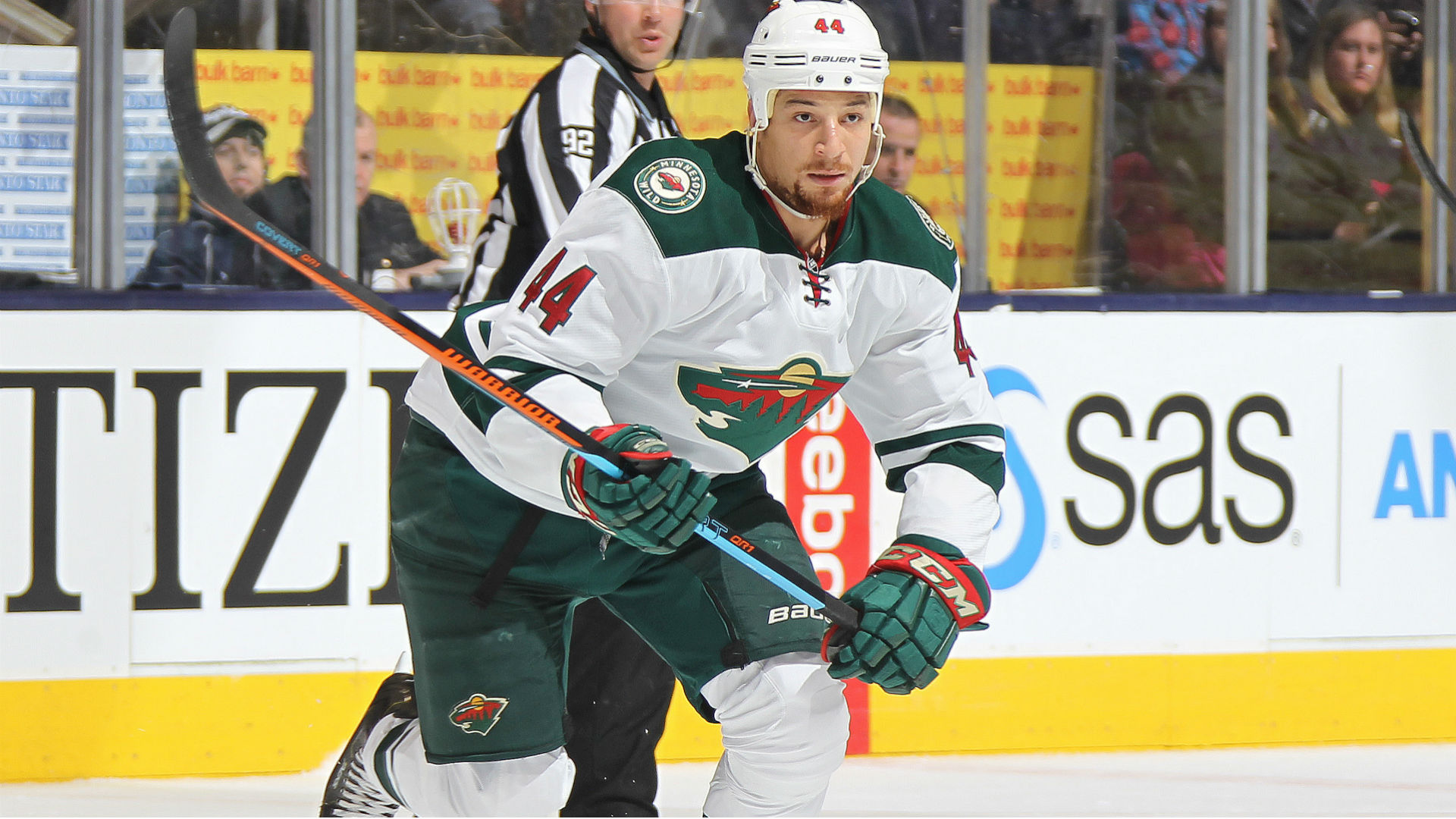 Wild's Chris Stewart sidelined for Game 3 vs. Blackhawks