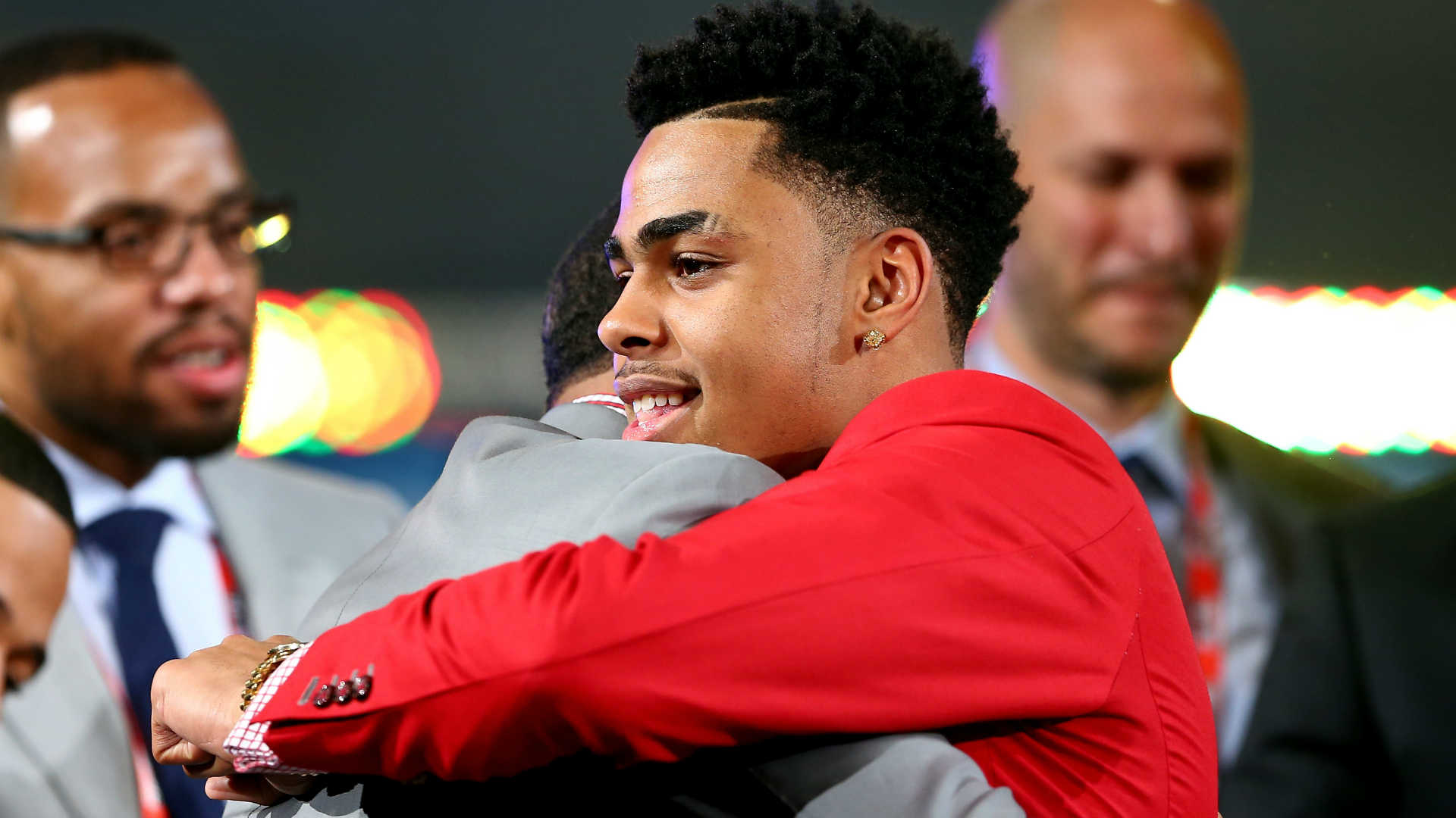 D'Angelo Russell's father arrested on drug possession charges, report says