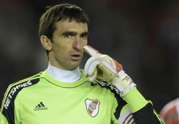 Sanfrecce Hiroshima v River Plate: Experience makes Barovero confident