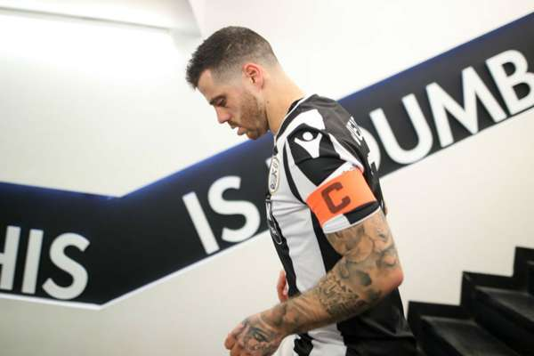 Injured PAOK captain comes off bench to celebrate club's first title in 34 years