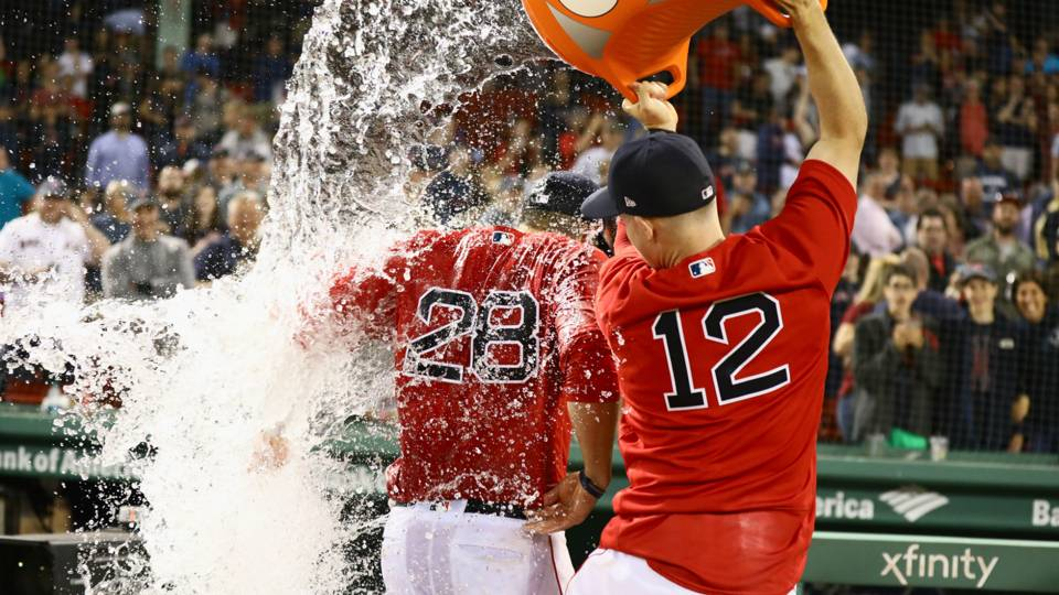 MLB wrap: Red Sox edge Mariners in 34-hit extravaganza