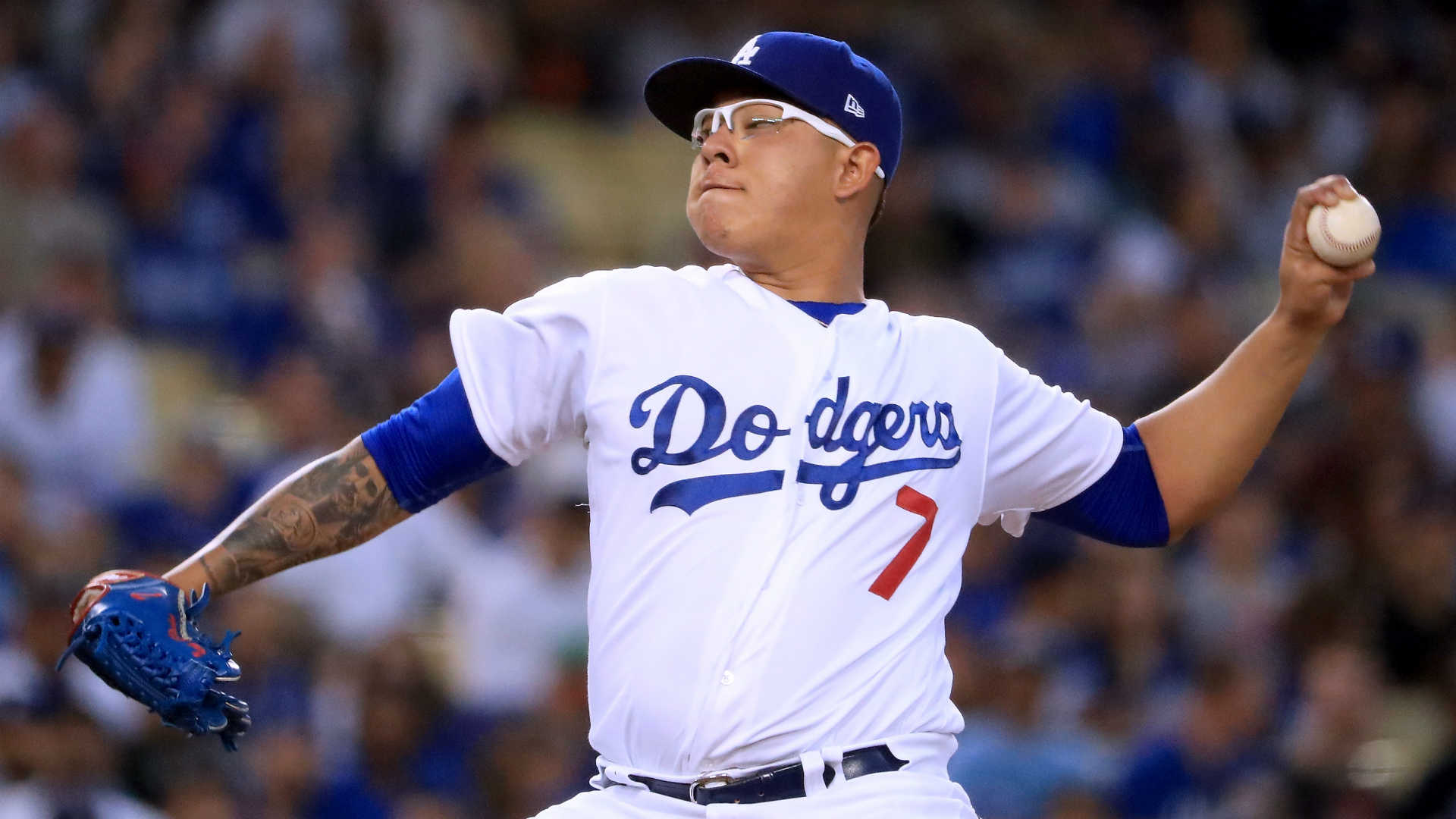 Dodgers' Urias to have season-ending shoulder surgery