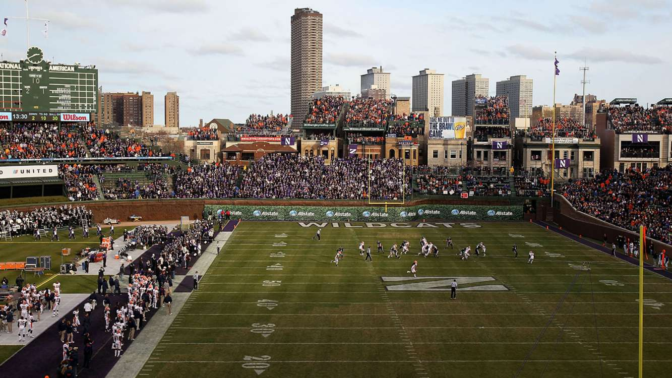 Cubs pushing to host bowl game at Wrigley Field