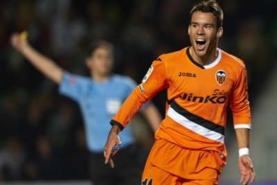 Valencia desperate to keep Bernat