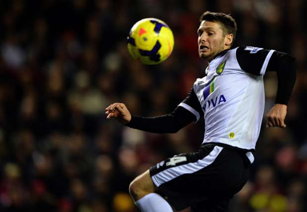 Norwich boss Hughton stands firm over Hoolahan