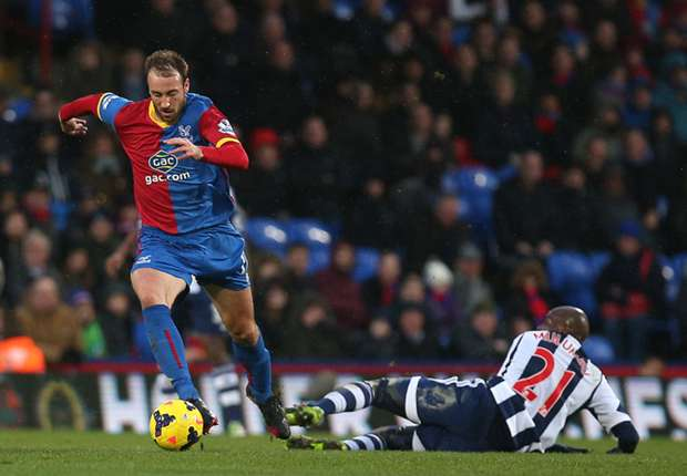 Crystal Palace boss Pulis prepared to be patient with Murray