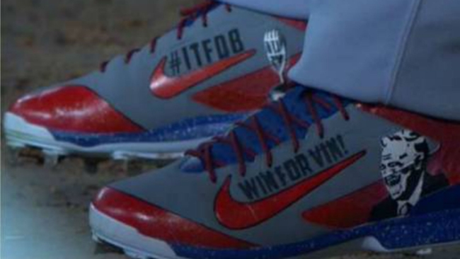 yasiel-puig-scully-cleats-071816-twitter-ftr