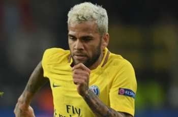 PSG duo Alves and Lucas to miss Marseille clash