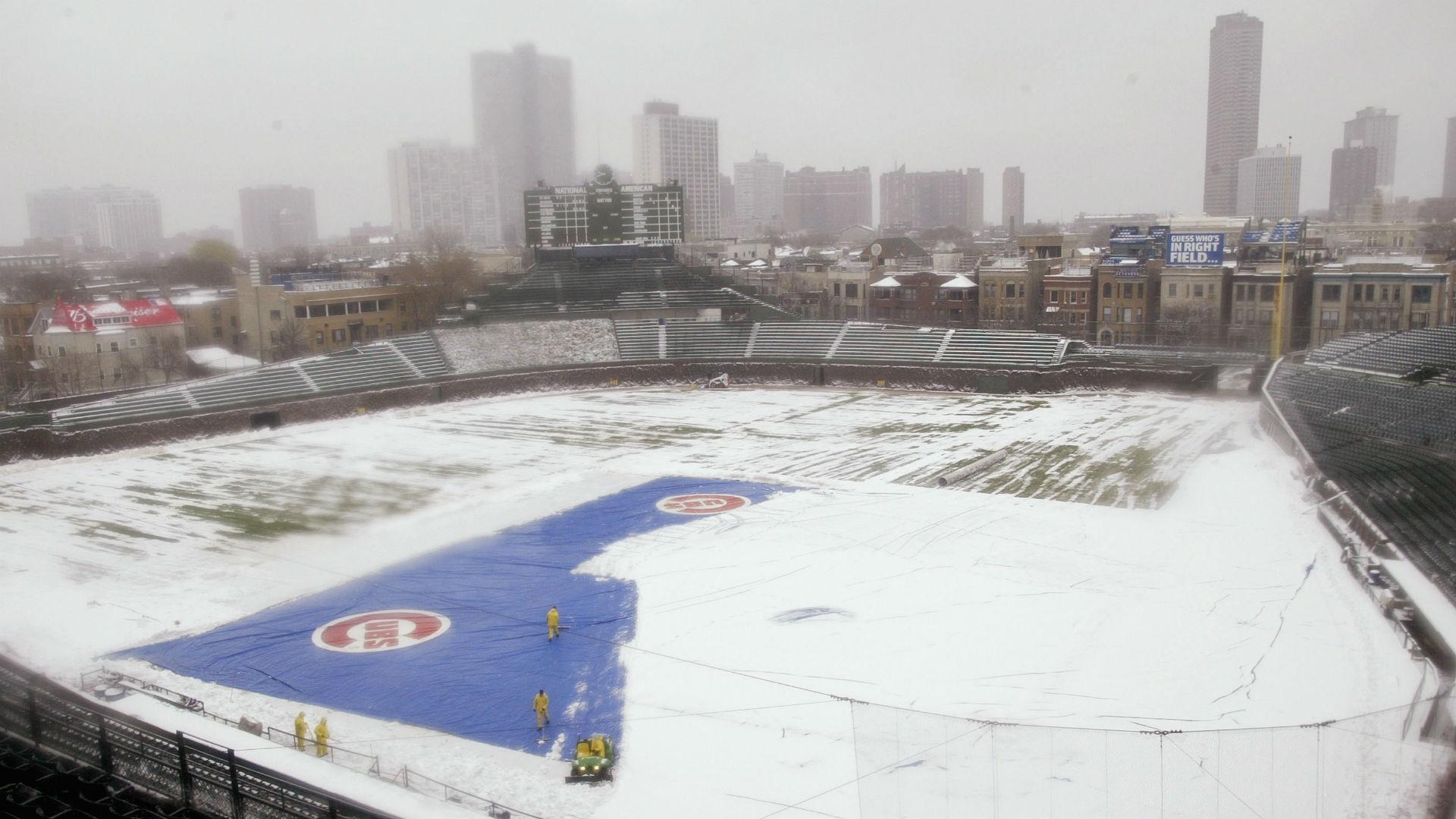 Cubs-wrigley-field-snow-04182018-usnews-getty-ftr_1qgts1oc4irg41n1sg9racbqwb