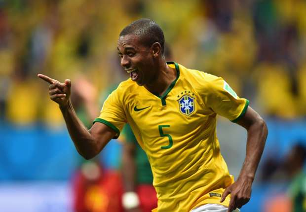 Fernandinho: City move was crucial to Brazil debut