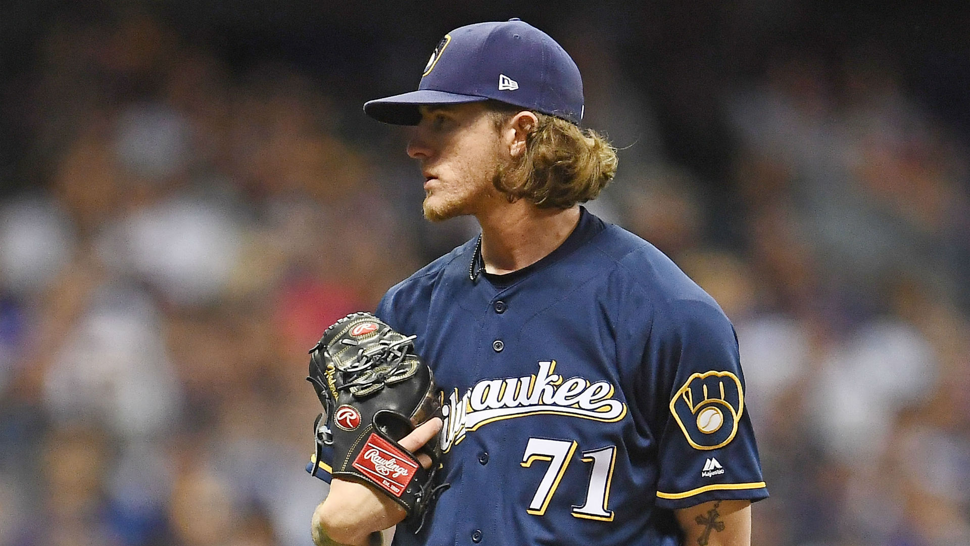 Josh Hader emotional apologizing to teammates for old offensive tweets