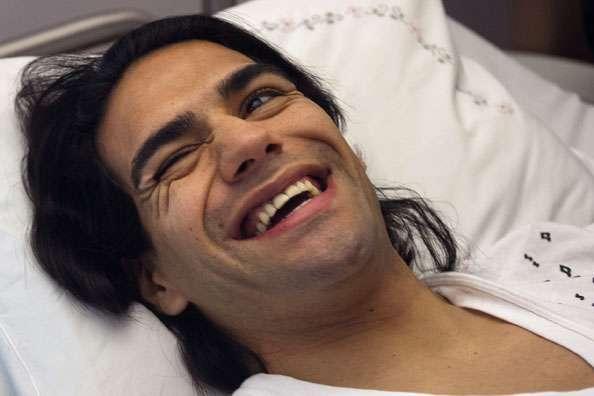 Falcao ya fue operado y ahora trabaja en la rehabilitación para poder llegar a Brasil 2014.