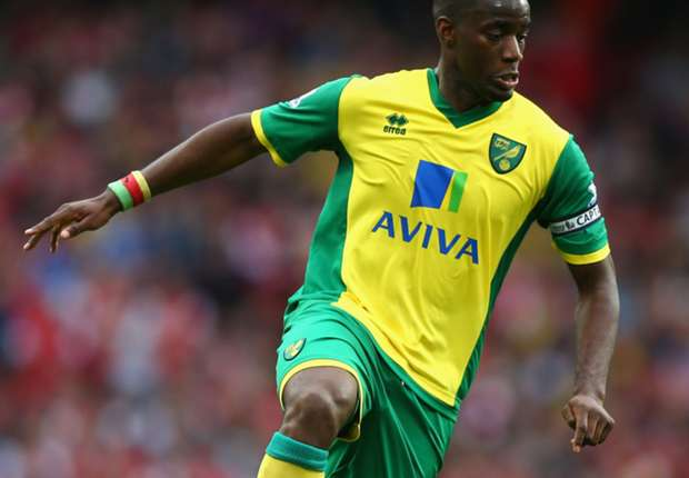 Bassong signs new Norwich deal