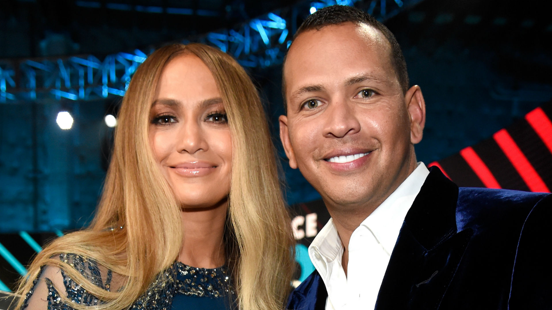 Jennifer Lopez Endorses Boyfriend Alex Rodriguez to Be Yankees' Next Manager