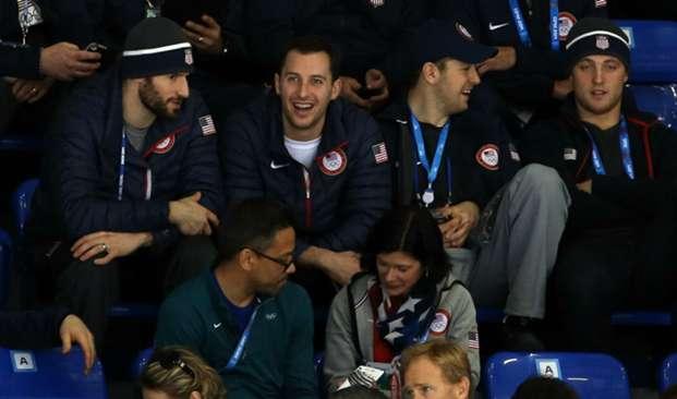 U.S. men's players watch U.S. women's game at 2014 Olympics