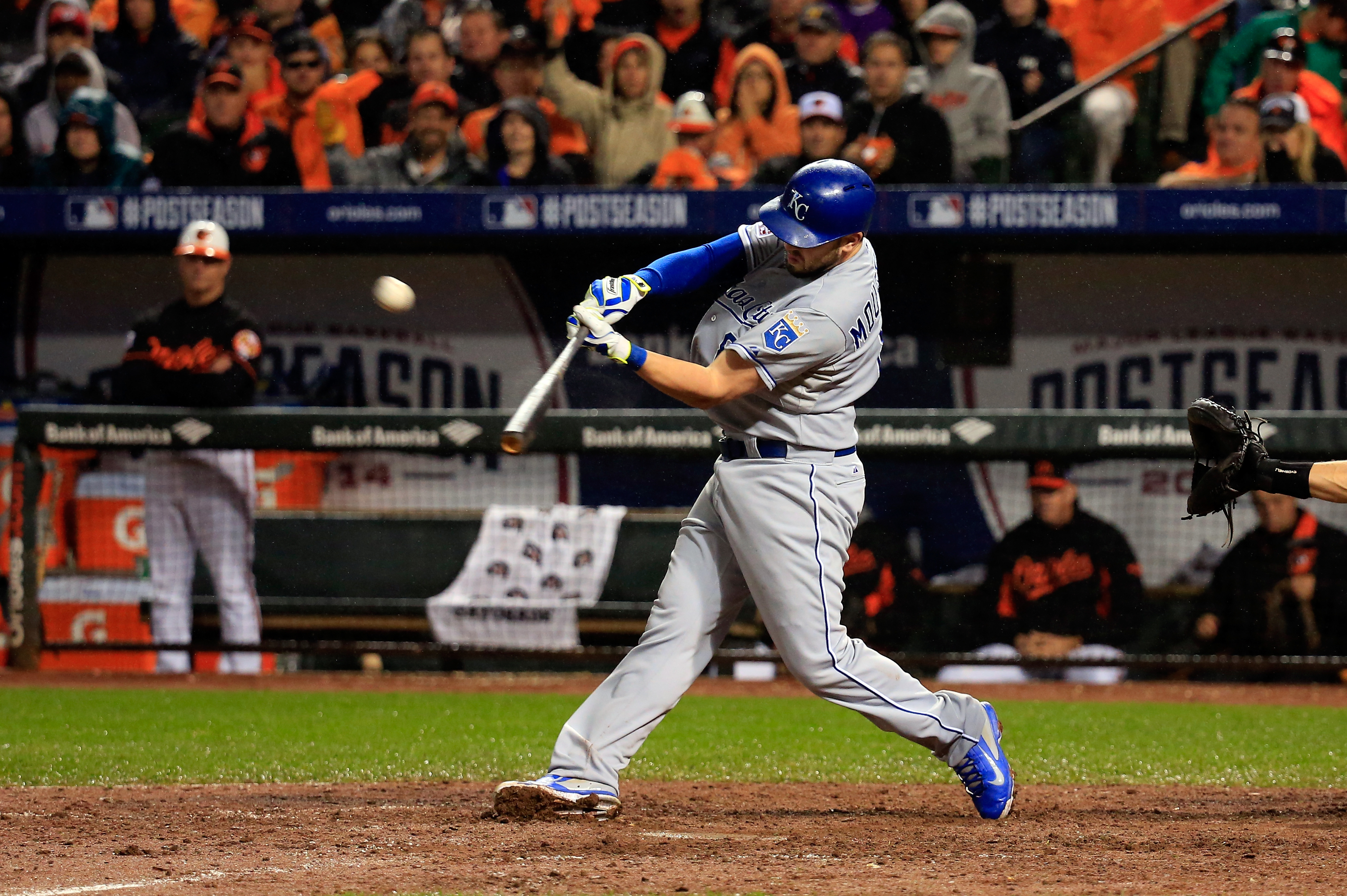 MLB trade rumors: Phillies, Royals discuss possible deal for Mike Moustakas
