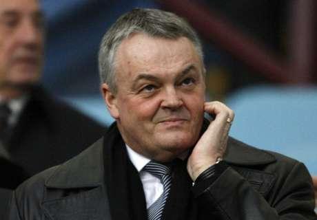 Bolton chairman Phil Gartside dies