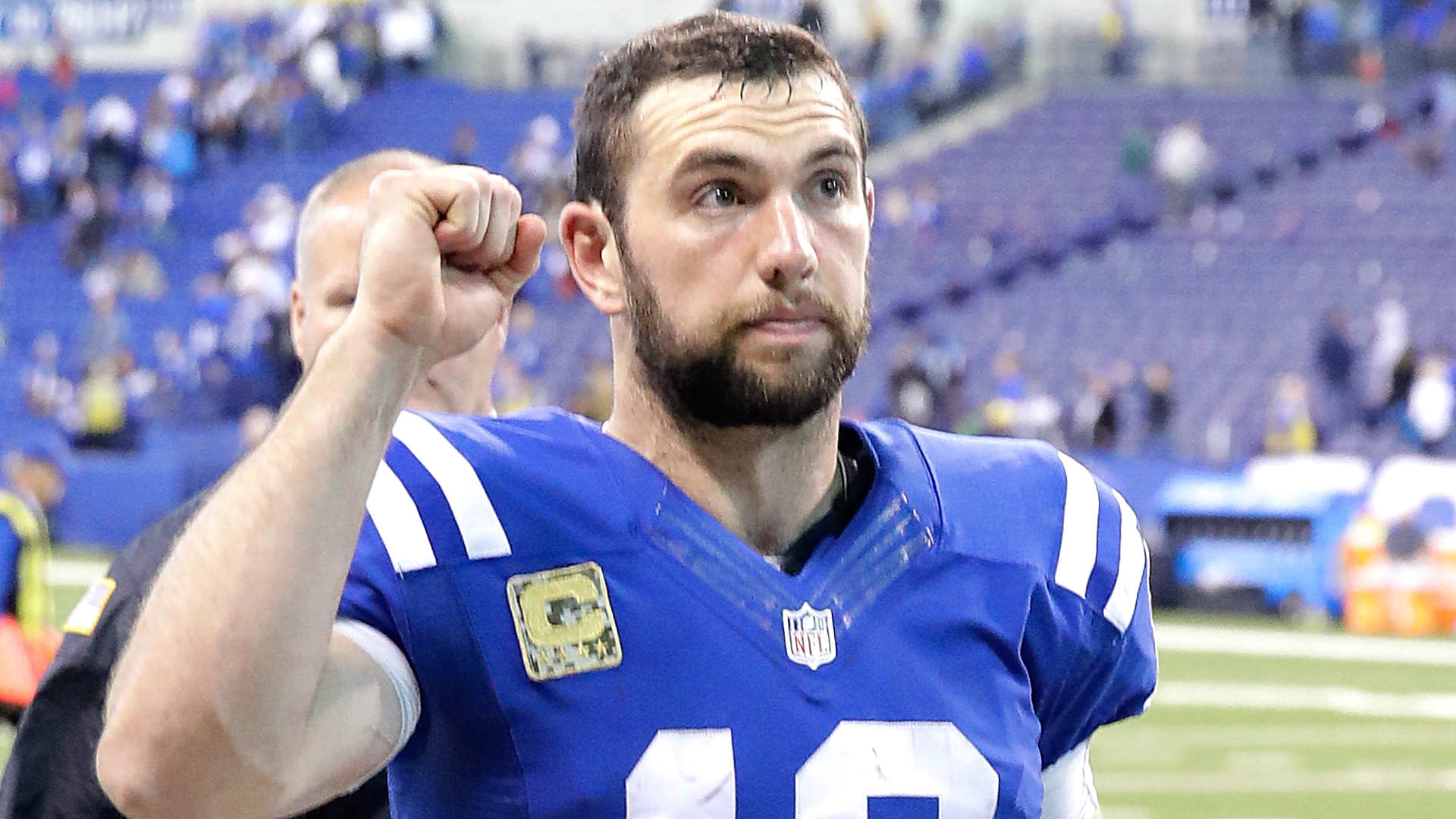 Colts QB Andrew Luck es clean about injured shoulder