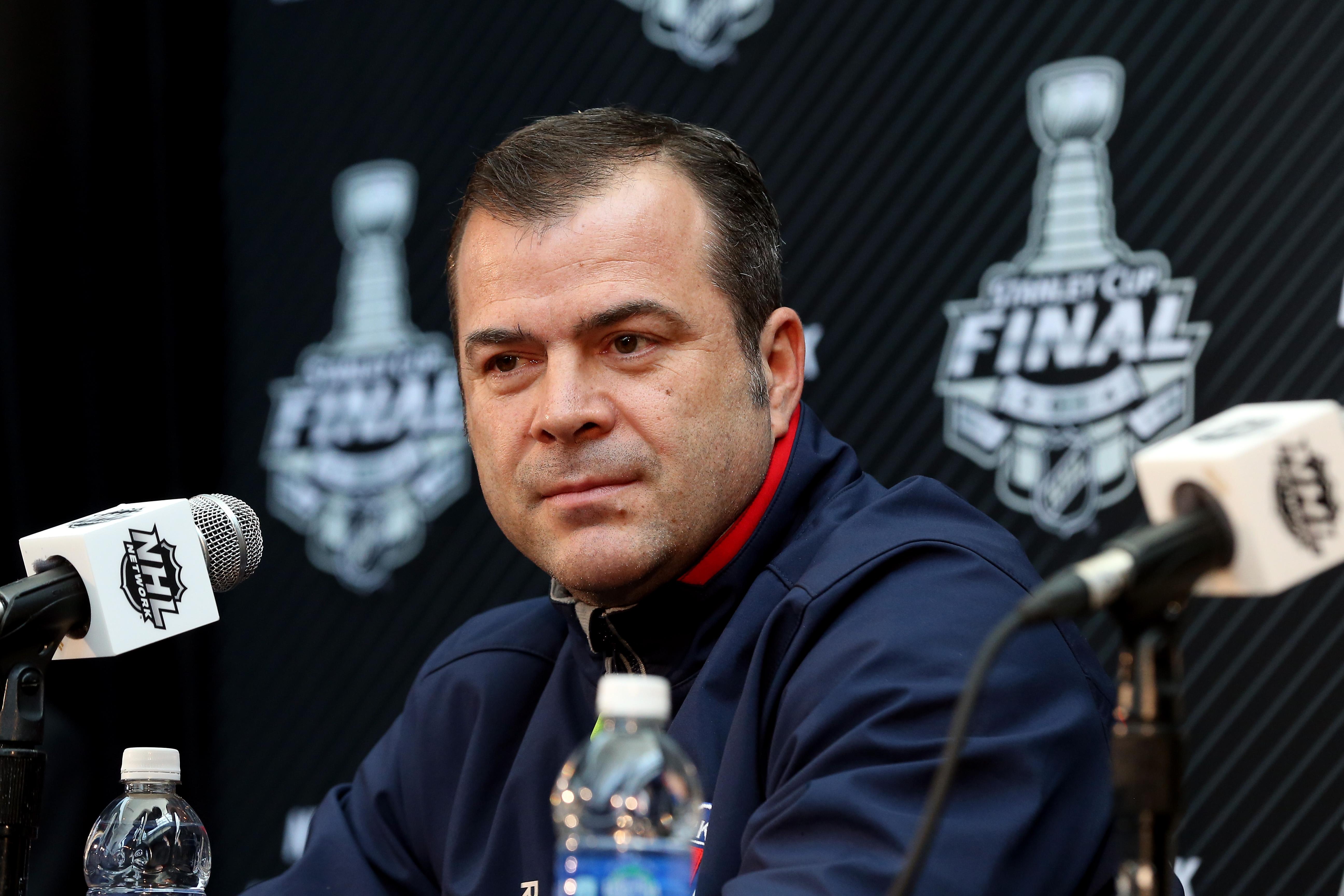 Flyers name Alain Vigneault head coach