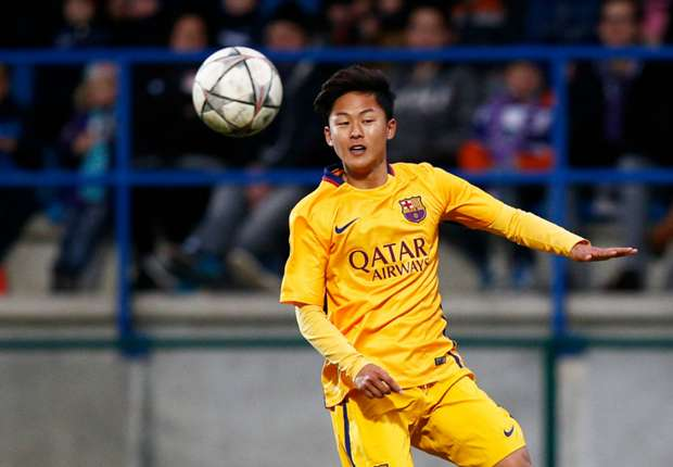 Borussia Dortmund move for Barcelona wonderkid Lee