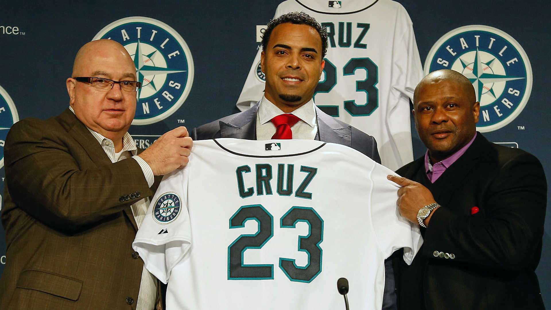 Nelson Cruz has signed a four-year, $57 million deal with the Seattle Mariners.