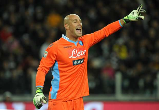 Reina yet to decide on Napoli future
