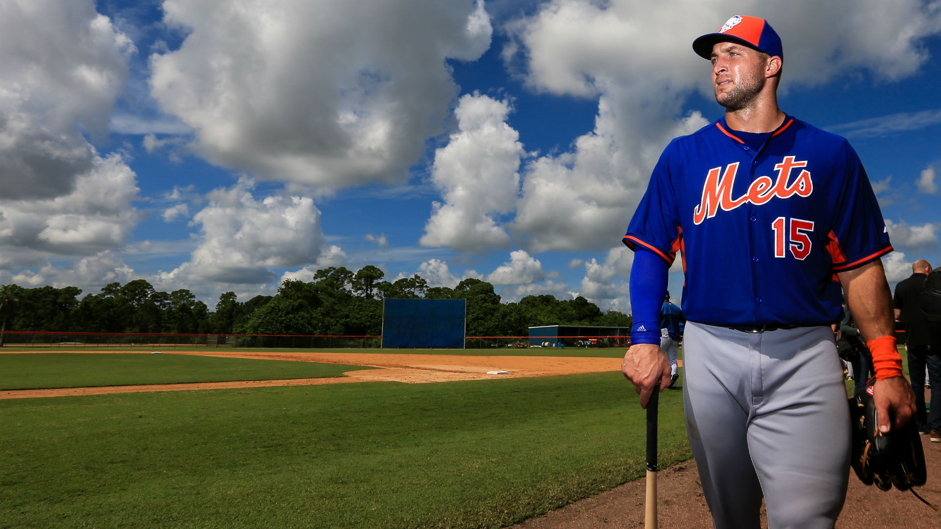 Tim Tebow worked with Daniel Murphy to improve hitting