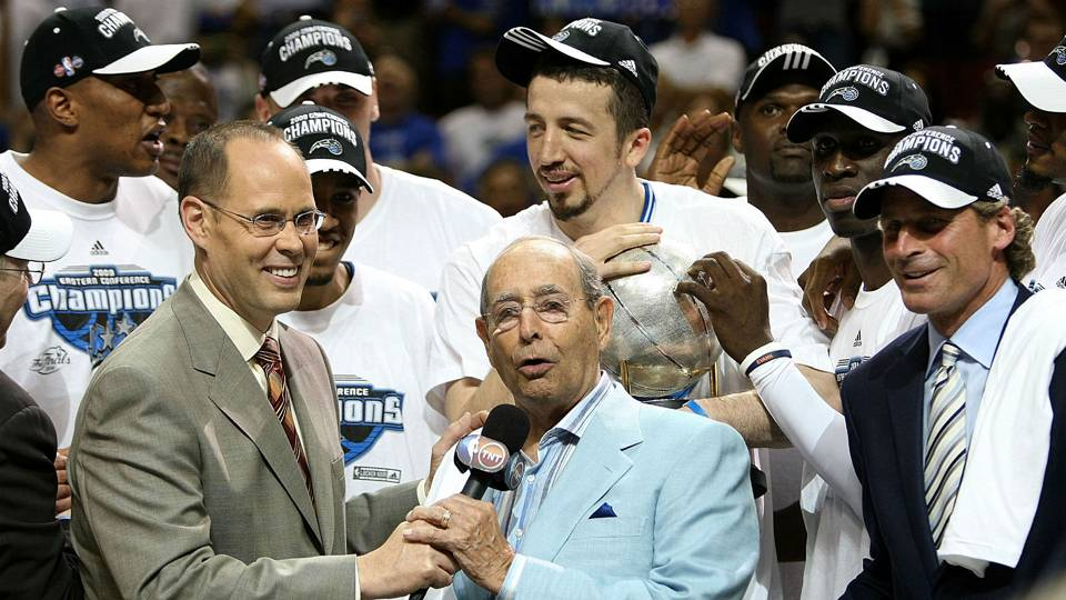 Rich DeVos speaks after Magic's 2009 Eastern Conference championship