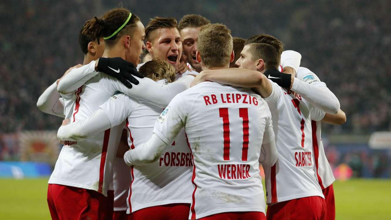 Bayern y Leipzig mantienen el pulso por el título