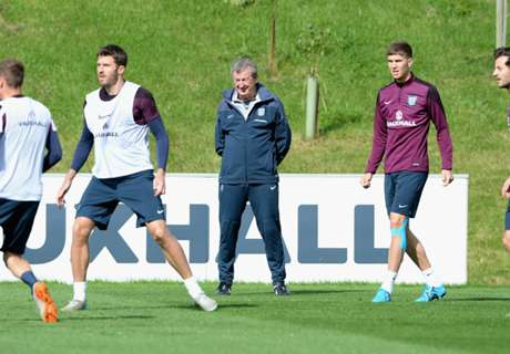 Hodgson to blood new players